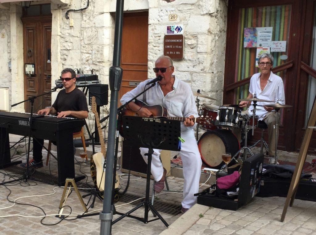 black glasses trio concert epicerie de nimes